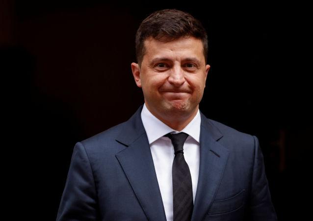 乌克兰总统称想在雅尔塔海滩上写下克里米亚归属问题 俄杜马议员提醒海滩上都是砾石