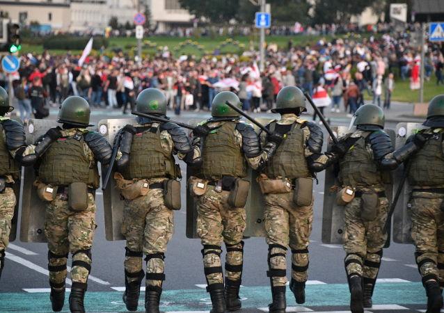 白俄内务部称在12日的抗议活动中拘留186人