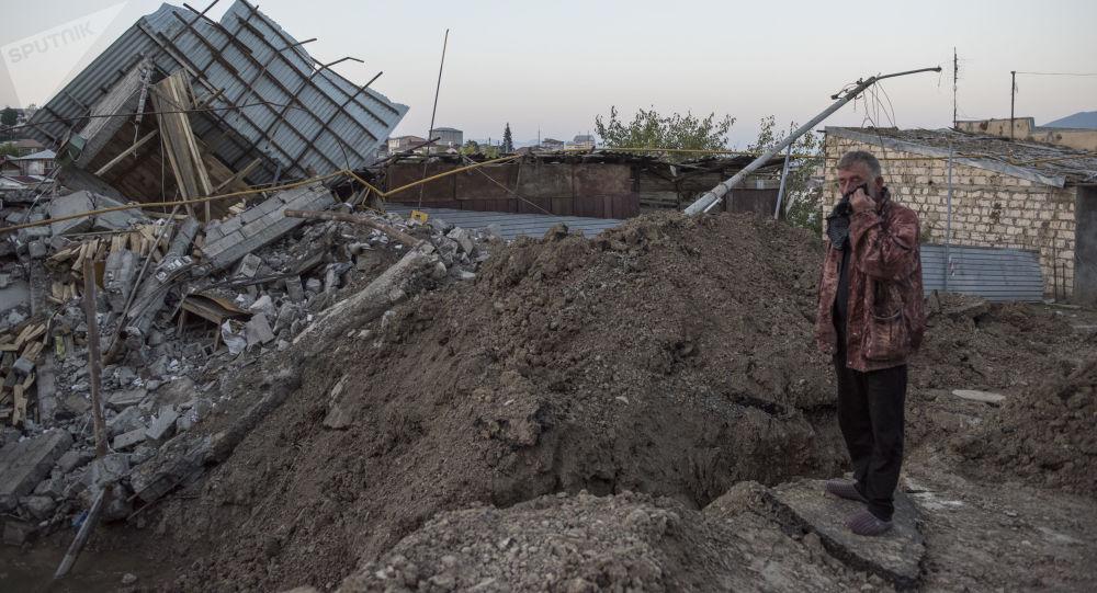 纳卡国防军宣布斯捷潘纳克特和舒沙遭到火箭炮轰击