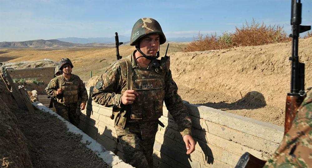 """纳卡当局称其村镇遭阿塞拜疆""""龙卷风""""火箭炮袭击"""