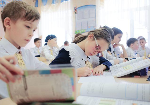 联合国秘书长:新冠限制措施约对全球10亿名学生造成影响