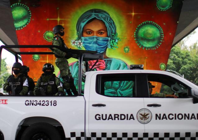 墨西哥新冠病毒感染死亡病例累计超过10万例