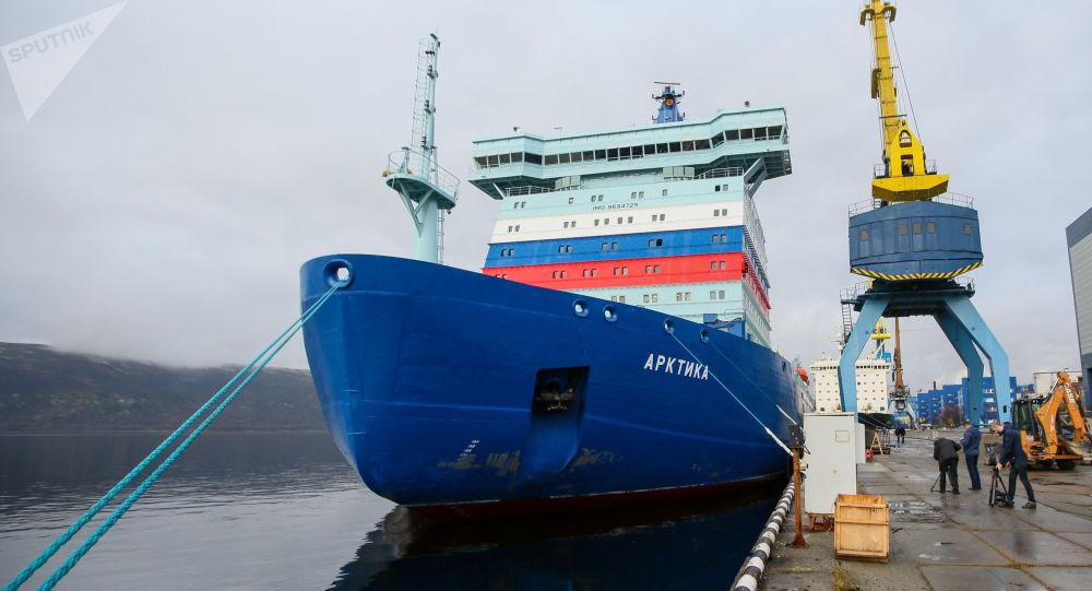 """俄核动力破冰船""""北极""""号将于本周末开始沿北方海路航行"""