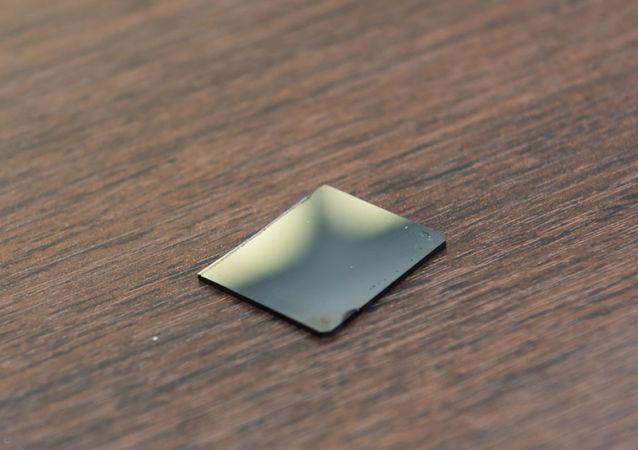 俄罗斯能够违背冶金学规范改善金属玻璃