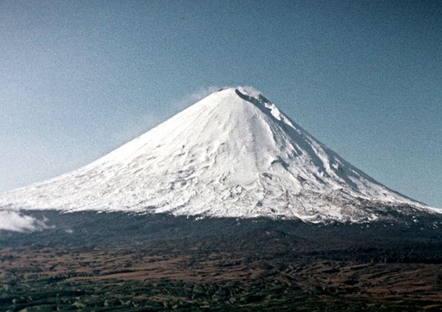 堪察加的别济米扬内火山