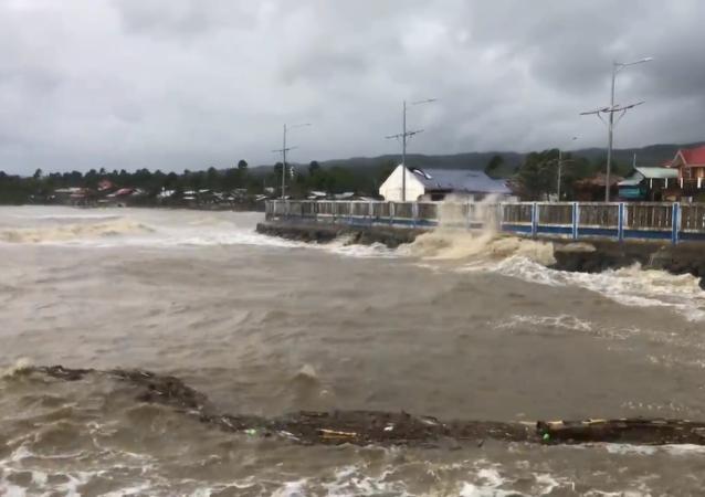 """强台风""""莫拉菲""""袭击菲律宾"""