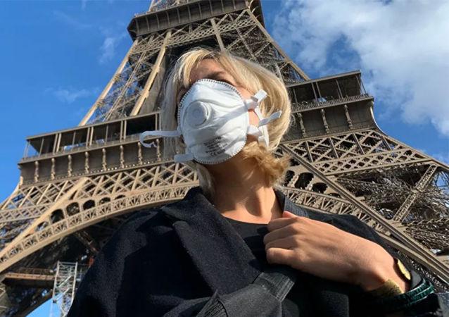 法国新冠病毒感染死亡病例累计超过8万例