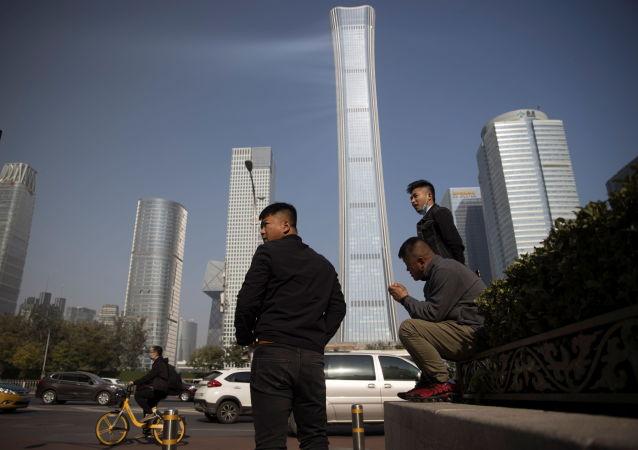 中国统计局: 中国10月份城镇调查失业率为5.3%
