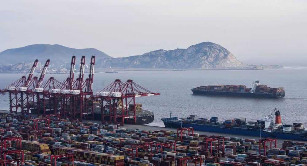 中国海关总署:前10月中国货物贸易进出口总值同比增1.1%