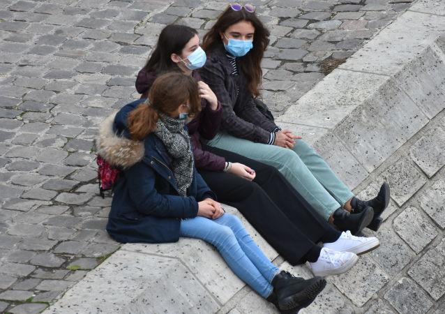 巴黎市长呼吁法国政府让首都中小学停课