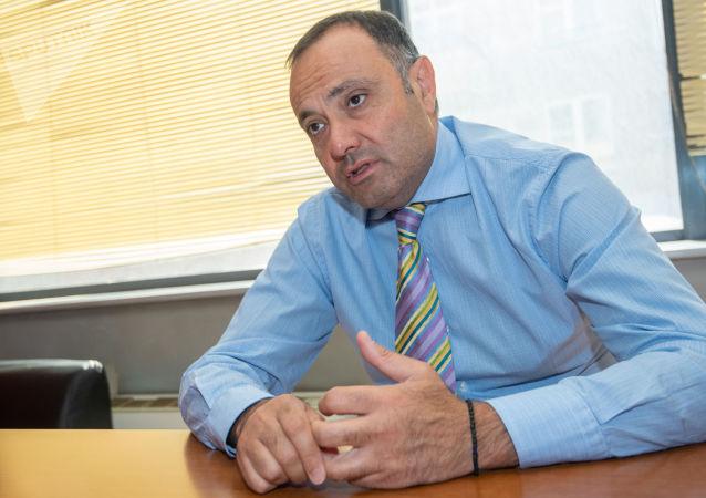 亚美尼亚驻莫斯科大使托加尼扬