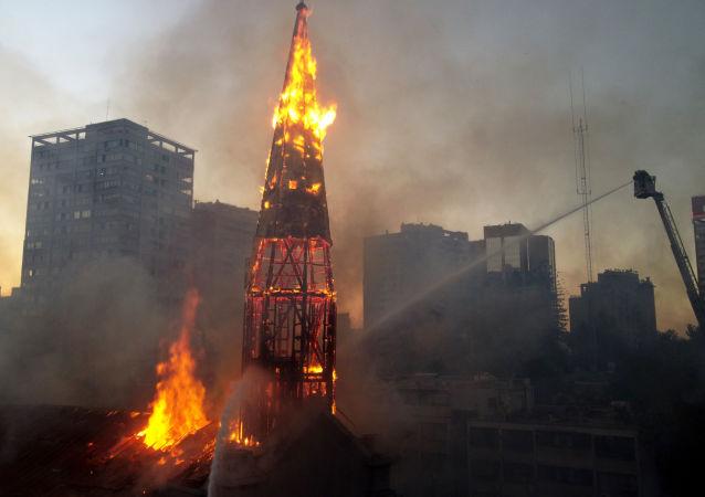 教堂起火 资料图