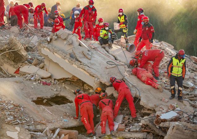 土耳其地震死亡人数升至114人