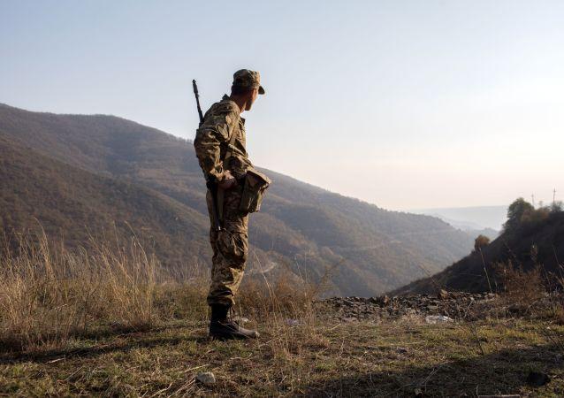 亚美尼亚国防部:纳卡地区整个前线已停止作战行动
