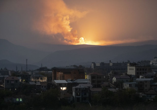 斯捷潘纳克特东南方听到爆炸声和炮击声