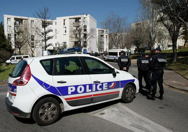 巴黎一家医院附近发生枪击事件