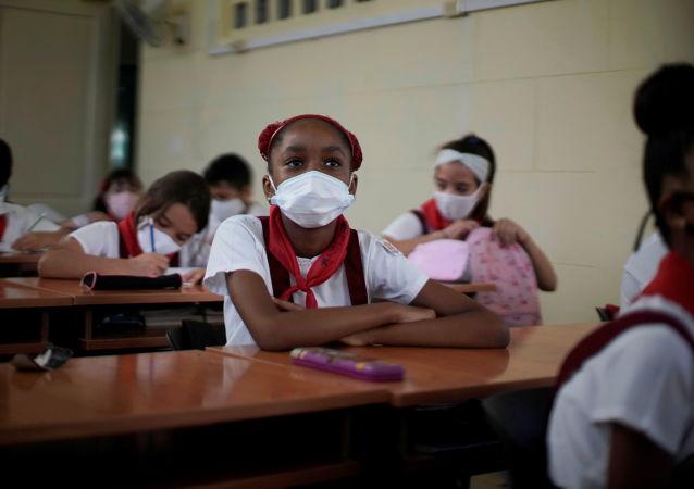 古巴制药企业开始试验两种冠状病毒新疫苗