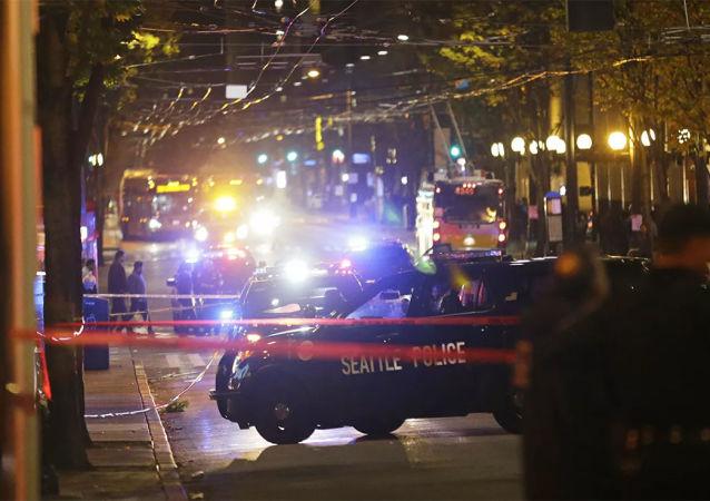 美国中学生将自制炸弹带进教室发生爆炸 6人受伤