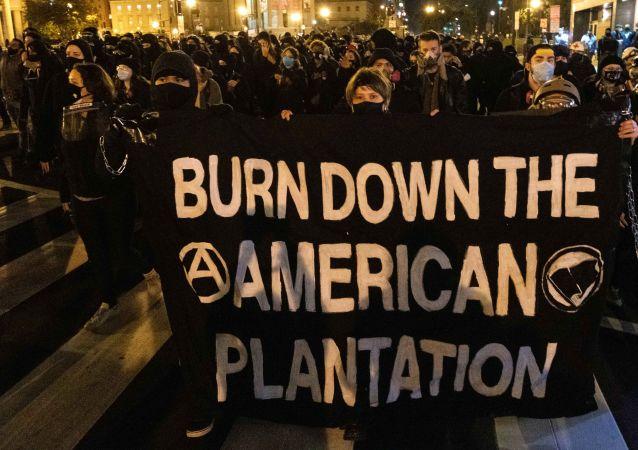 """""""黑人的命也是命""""运动"""