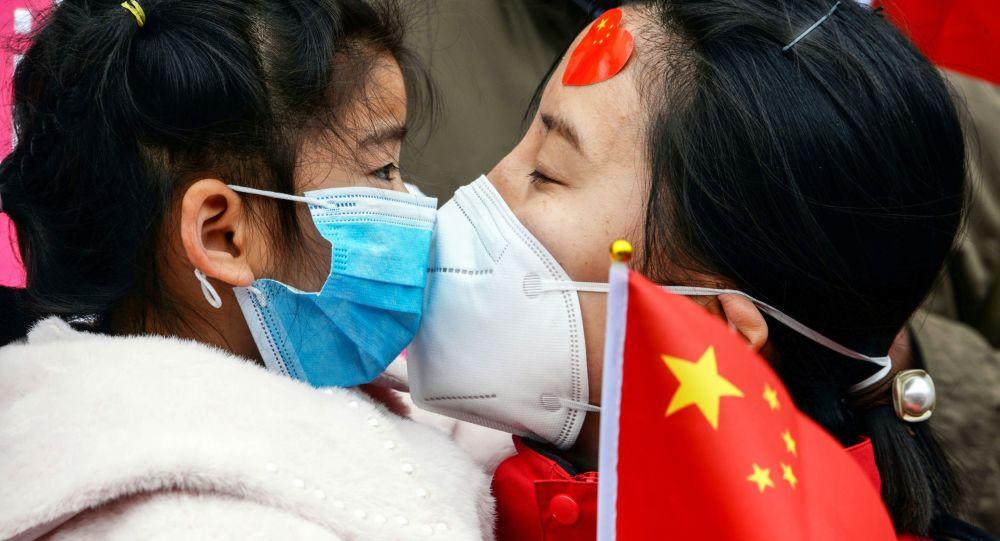 中国成功应对新冠病毒,源于居民的纪律性和政府的高效措施