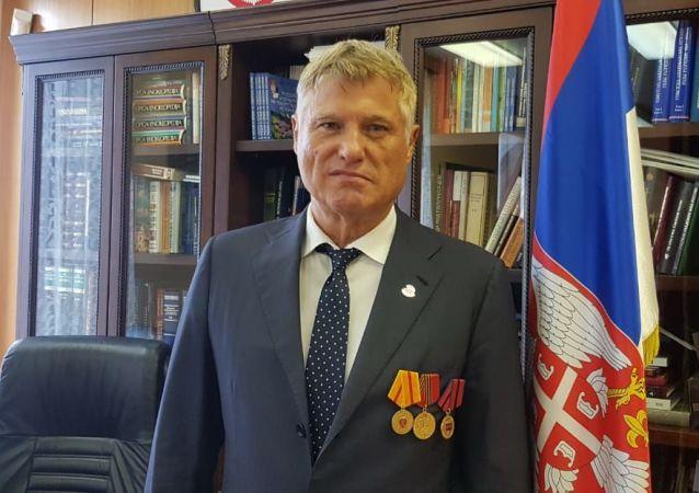 塞尔维亚驻俄罗斯特命全权大使米罗斯拉夫∙拉赞斯基