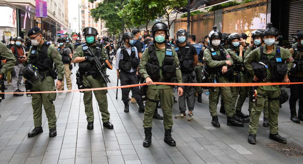 """香港惩教署署长:""""黑豹部队""""与港府飞行服务队合作,随时空降平乱"""