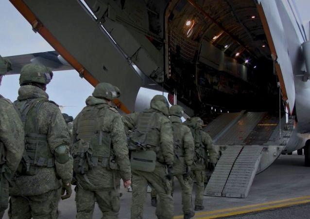 投送俄维和人员的新一批三架飞机前往纳卡地区