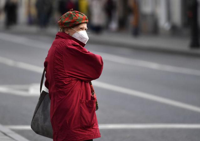 俄卫生部长:疫情下俄罗斯预期寿命降低