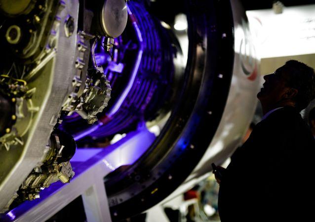 """俄启动研制运动飞机引擎的""""马戏人""""项目"""