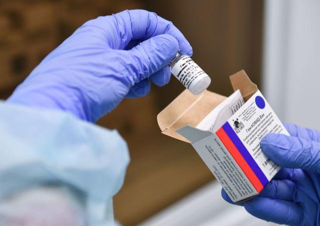 """委内瑞拉副总统在莫斯科会见""""卫星-V""""疫苗生产商"""