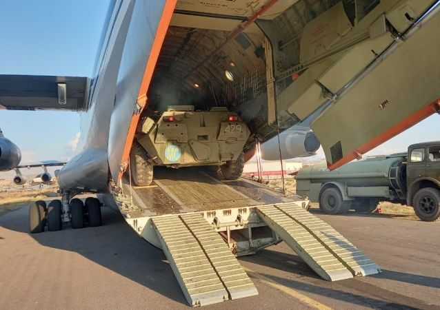 俄国防部:又有20架携维和人员和技术装备的飞机抵达埃里温