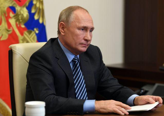 普京表示,需增加投入民用的疫苗数量