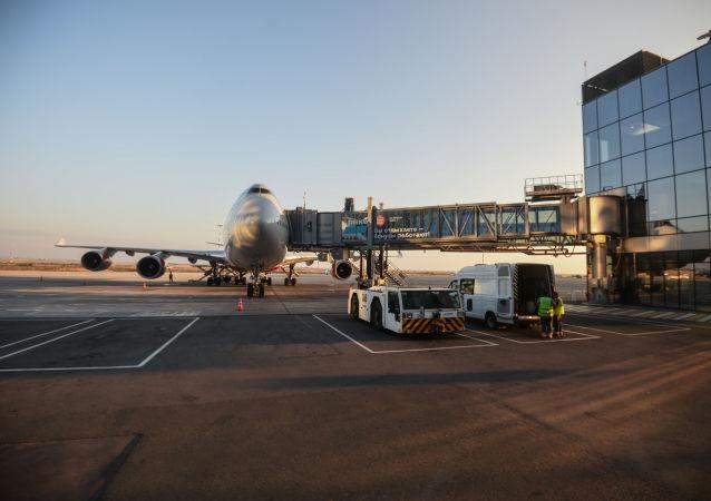 俄第二架和第三架载有特种医疗队的飞机已从顿河畔罗斯托夫飞往辛菲罗波尔
