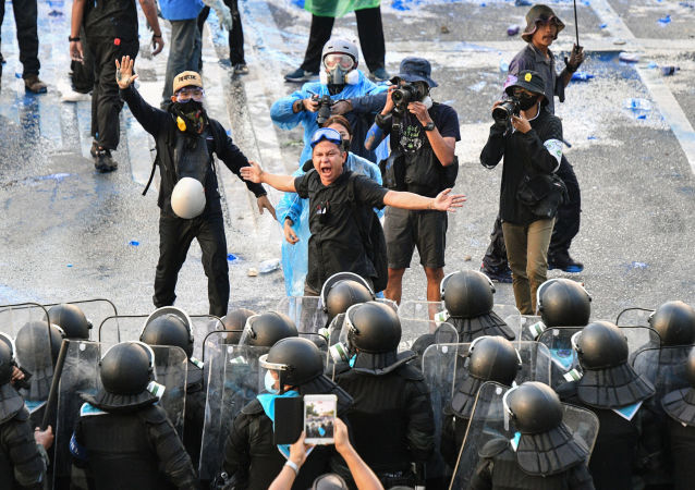 曼谷举行反缅甸政变集会