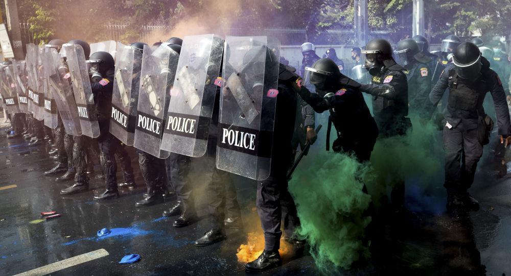 曼谷又一场抗议活动平静结束 下一场抗议活动定于周五举行