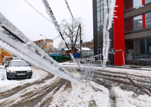 俄滨海边疆区因恶劣天气取消40多班次区域长途公交客运