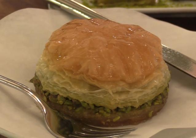 土耳其餐館推出甜漢堡Big Bak
