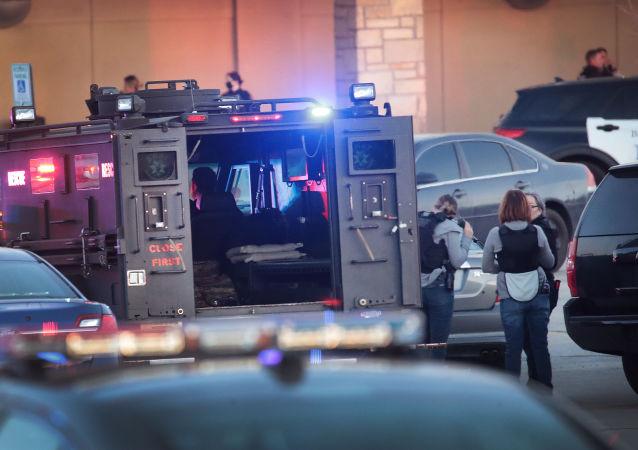 美国威斯康星州警方拘捕一名涉嫌在购物中心开火的少年