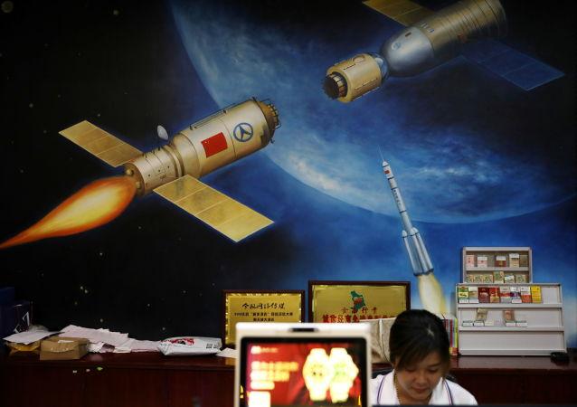 中国首条卫星智能生产线在武汉试运行