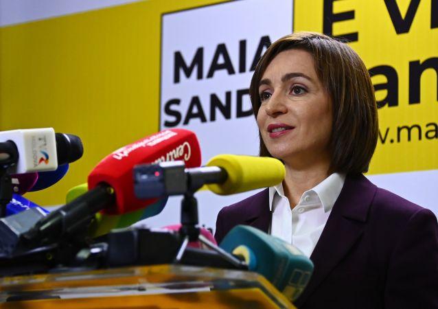 摩尔多瓦当选总统桑杜宣誓就职