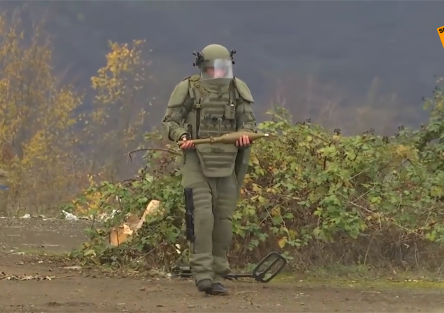俄维和人员在纳卡责任区排雷
