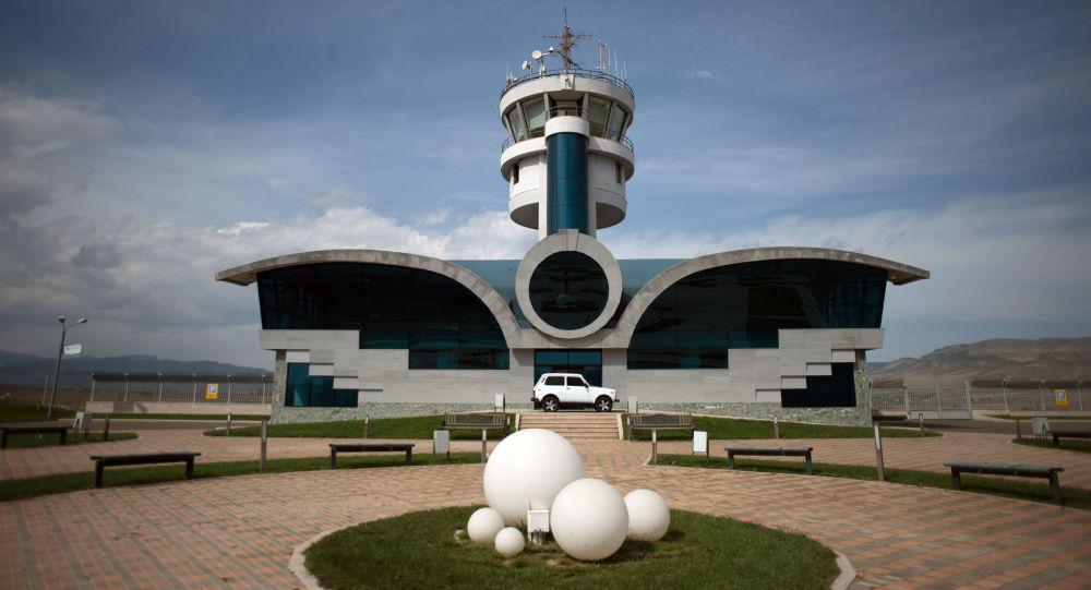 斯捷潘纳克特机场