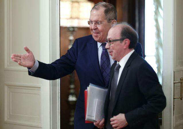 俄外交部:俄亚两国外长讨论纳卡停战协议的执行问题