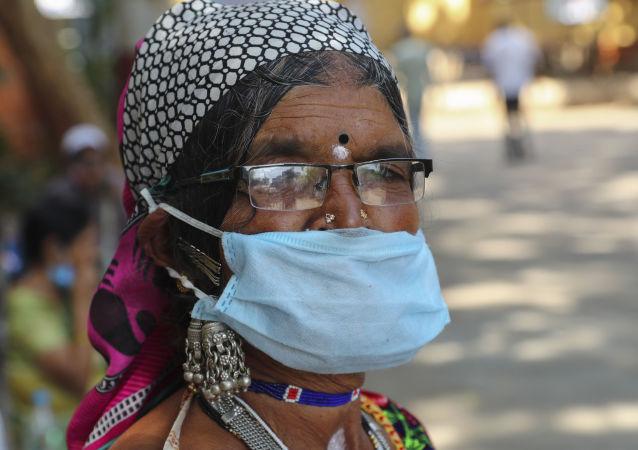 印度单日新增新冠病毒感染病例首次超过13万例