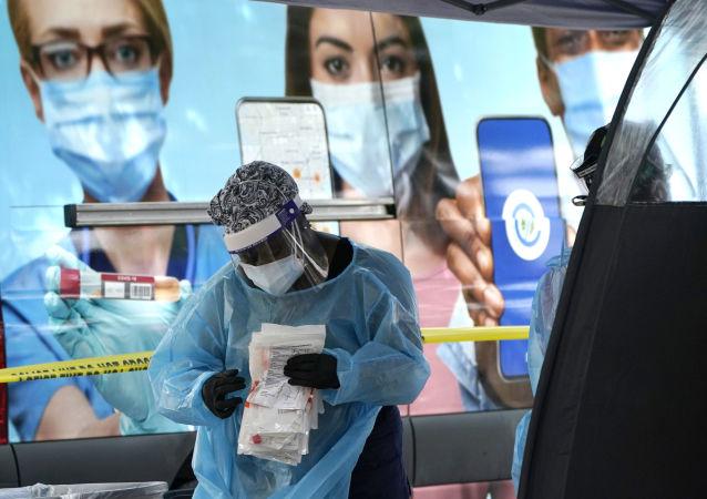 美媒:美国计划18日批准莫德纳公司新冠疫苗上市