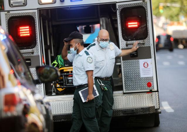 美疾控中心:美国过去24小时新增确诊新冠病毒感染40万例