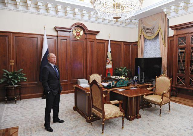 克宫谈普京的五一假期:他所工作的过程是没有节假日的