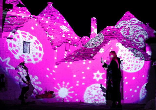 意大利阿尔贝罗贝洛的圣诞节:世界文化遗产披上节日新装