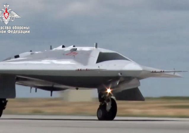 """""""猎人""""重型攻击无人机"""
