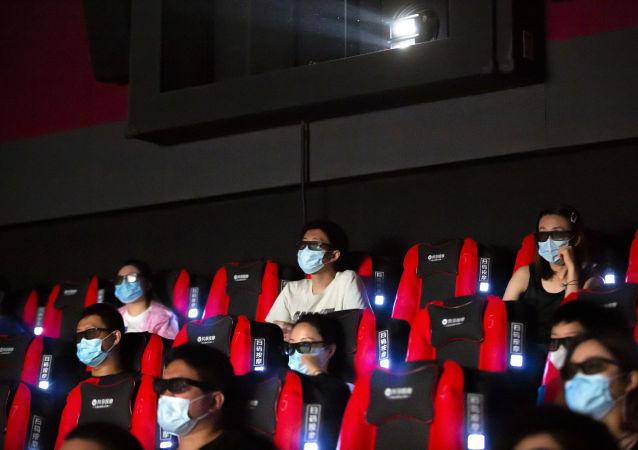 中国电影行业在疫情背景下超过美国 创下新纪录